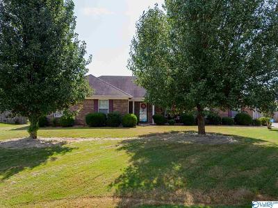 Meridianville Single Family Home Contingent: 139 Beaconsfield Drive
