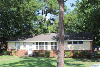 Huntsville Single Family Home For Sale: 3902 Memorial Parkway North