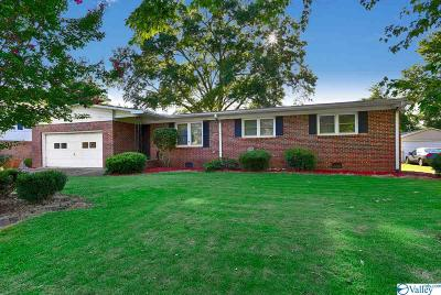 Huntsville Single Family Home For Sale: 207 Curtis Drive