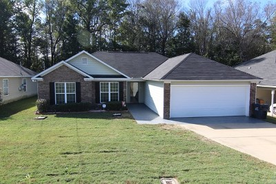 Phenix City AL Single Family Home For Sale: $127,500