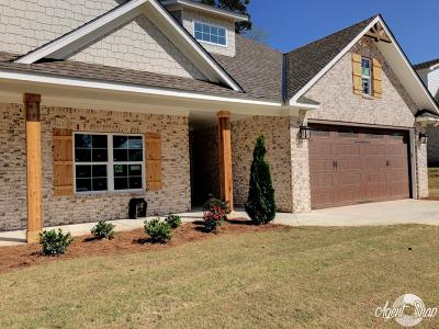 Phenix City Single Family Home For Sale: 2706 Sterling Dr.