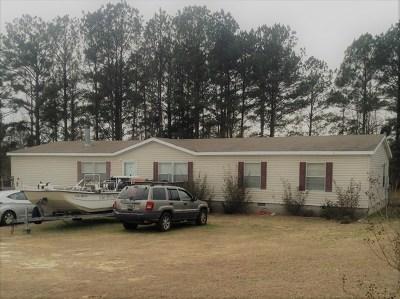 Salem Single Family Home For Sale: 72 Lee Rd 2165