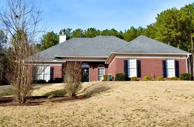 Salem Single Family Home For Sale: 107 Lee Rd 2109