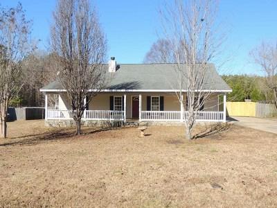 Salem Single Family Home For Sale: 247 Lee Rd 2109