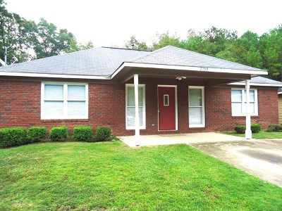 Phenix City AL Single Family Home For Sale: $79,900