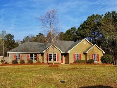 Salem Single Family Home For Sale: 142 Lee Rd 2110