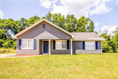 Salem Single Family Home For Sale: 31 Lee Rd 2102