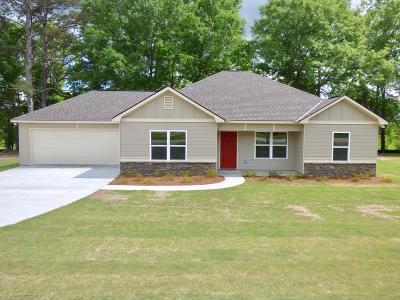 Phenix City AL Single Family Home For Sale: $158,500