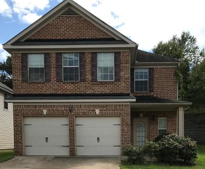 Phenix City AL Single Family Home For Sale: $156,000