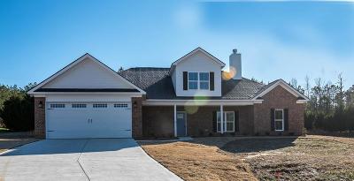 Salem Single Family Home For Sale: 21 Lee Rd 2119