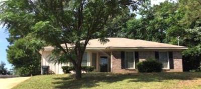 Phenix City AL Single Family Home For Sale: $97,000