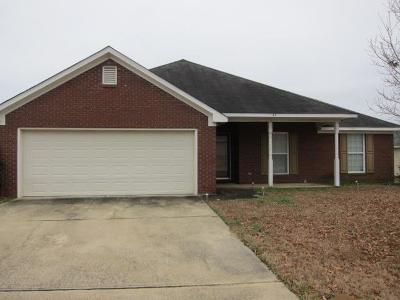 Phenix City AL Single Family Home For Sale: $136,900