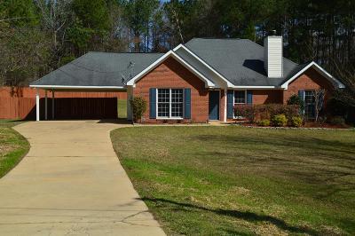 Salem Single Family Home For Sale: 390 Lee Rd 2109