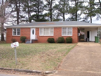 Muscle Shoals AL Single Family Home For Sale: $74,850