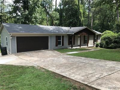 Single Family Home For Sale: 4 Beechwood