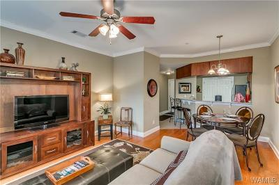 Single Family Home For Sale: 3218 Veterans Memorial Parkway #2307
