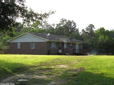 Single Family Home For Sale: 1526 N Pearcy Rd