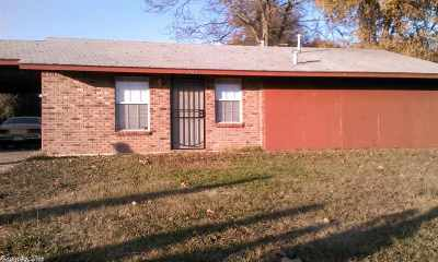 Pine Bluff Multi Family Home For Sale: 2508 Belair
