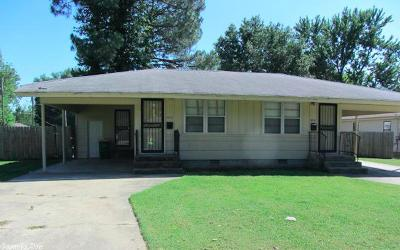 North Little Rock Multi Family Home For Sale: 4700 - 4712 Lynch Drive