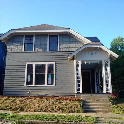Single Family Home For Sale: 321 W Charles Bussey