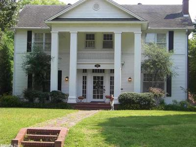 Single Family Home For Sale: 721 Pine Bluff Street