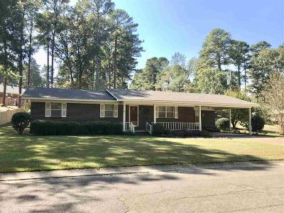 Malvern Single Family Home For Sale: 39 Pine Drive
