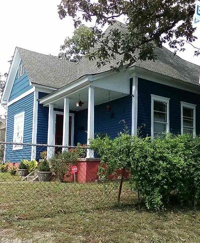 Single Family Home For Sale: 2600 W 7th Street