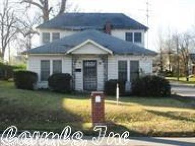 Single Family Home For Sale: 1500 S Woodrow