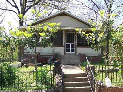 Single Family Home For Sale: 208 Virginia Street