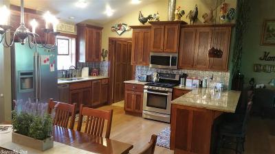 Van Buren County Single Family Home For Sale: 179 Eglantine