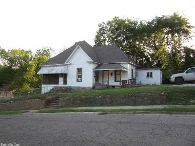Garland County Multi Family Home For Sale: 702 Ward Street