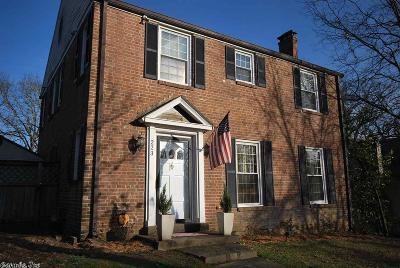 Single Family Home For Sale: 223 N Elm Street