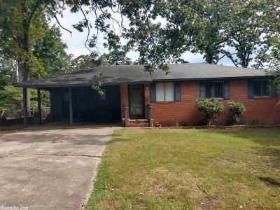 North Little Rock Single Family Home Take Backups: 1717 E 31st