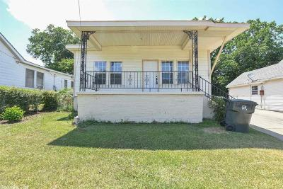 Single Family Home For Sale: 2714 S Spring Street