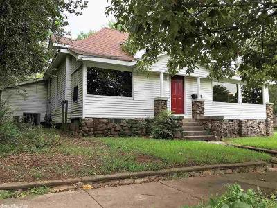 Polk County Single Family Home For Sale: 1001 S Seventh