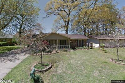 Jacksonville Single Family Home Under Con. Before Listed: 1000 Towering Oaks Drive