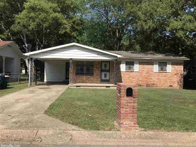 Single Family Home For Sale: 8712 Herrick Lane