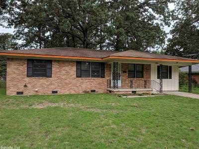 Pine Bluff Single Family Home For Sale: 3704 Fair Oaks
