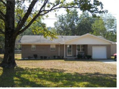 Pine Bluff Single Family Home For Sale: 6208 Oden Drive