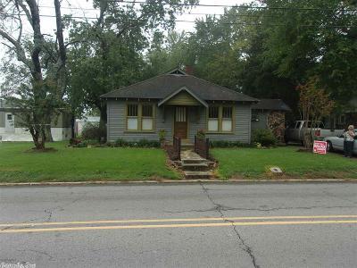 Single Family Home For Sale: 907 W Pleasure