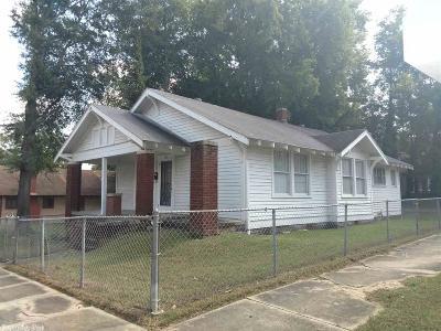 Single Family Home For Sale: 201 E 21st Street