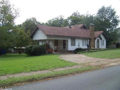Single Family Home For Sale: 1519 Pine Bluff St