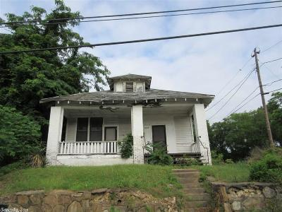 Single Family Home For Sale: 1418 Jones