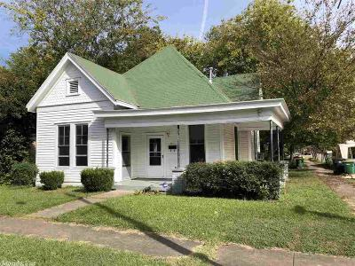 Single Family Home For Sale: 2019 S Center