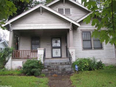 Single Family Home For Sale: 1613 Barber Street