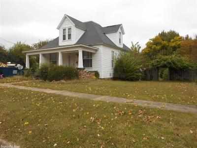 Polk County Single Family Home For Sale: 106 8th Street