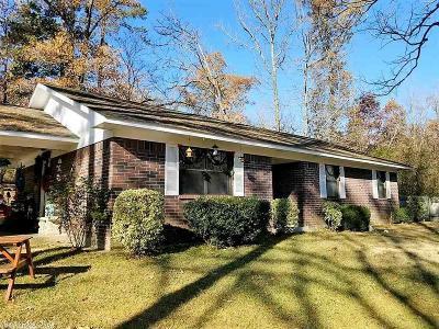 Polk County Single Family Home New Listing: 1304 Reba Drive