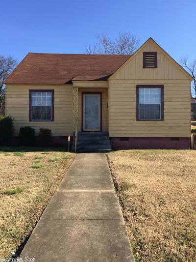 Single Family Home For Sale: 2701 Cross Street