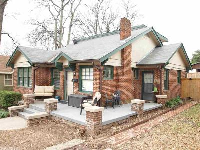 Single Family Home For Sale: 220 Brown Street