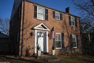 Single Family Home For Sale: 223 N Elm Street